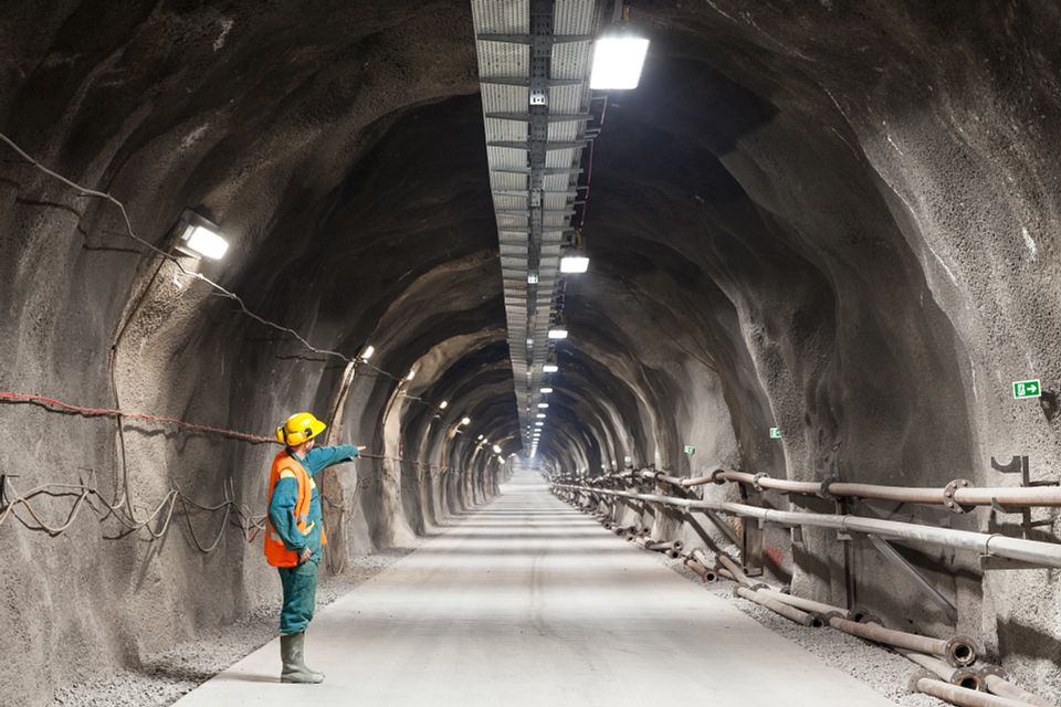 Highways England appoints Arcadis and 4way Consulting to support Tunnels Infrastructure, Systems and Products Strategy